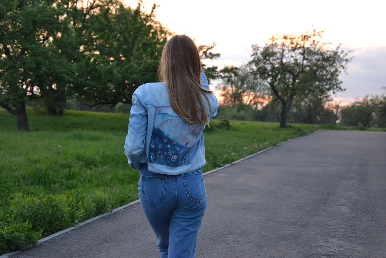 Flowers among the mountains | Jeans Jacket | Hand-painted